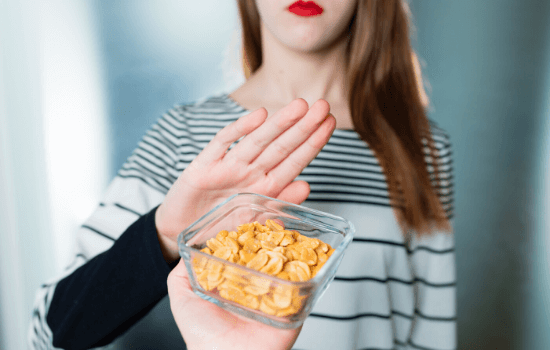 Woman with peanut food allergies in Melbourne, FL